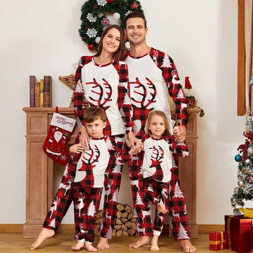Imagen 1 de 6 de Conjunto De Pijama Para Padres E Hijos Con Estampado Navideñ