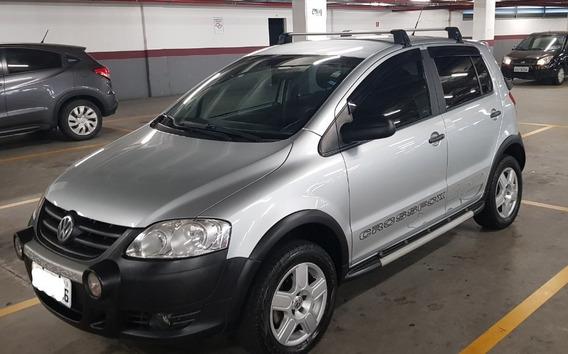 Volkswagen Crossfox 1.6 Total Flex - Impecável