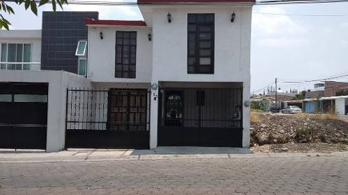 Casa Con Local En Venta
