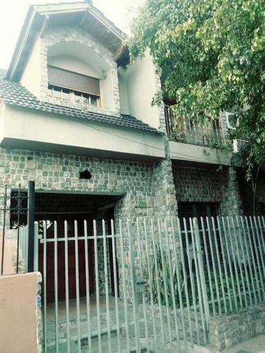 Casa 5 Ambientes Con Cocheras