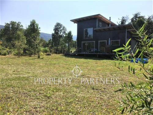 Imagen 1 de 17 de Excelente Casa En Pucón, Con Vistas Al Volcán Villarrica Y C