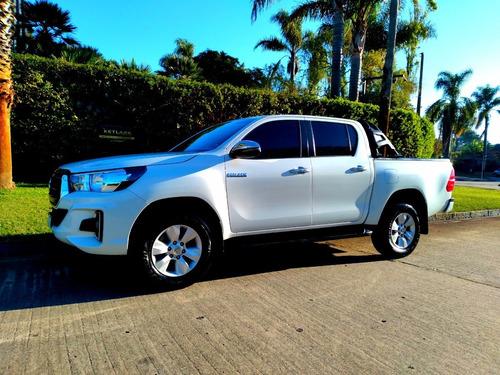 Toyota Hilux Srv Nafta 4x4 2019, 33.000 Km, Permuto.