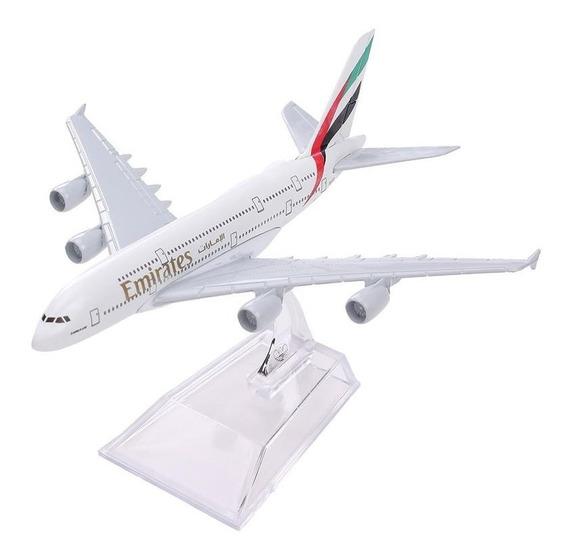 Miniatura Avião Emirates A-380 Em Metal 1:450 (16 X 15 Cm)