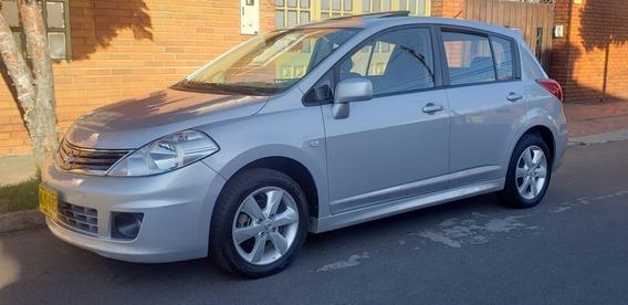 Nissan Tida 2012 Premium Mecanico