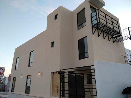 Casa Nueva En Renta Cañadas Del Arroyo, 3 Recamaras Con Baño Completo, Roof Gard