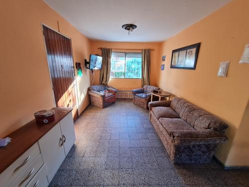 Vende Apartamento 2 Dormitorios Y Terraza - Acepta Banco