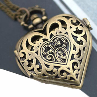Reloj Collar Coleccionable De Corazon Para Regalo