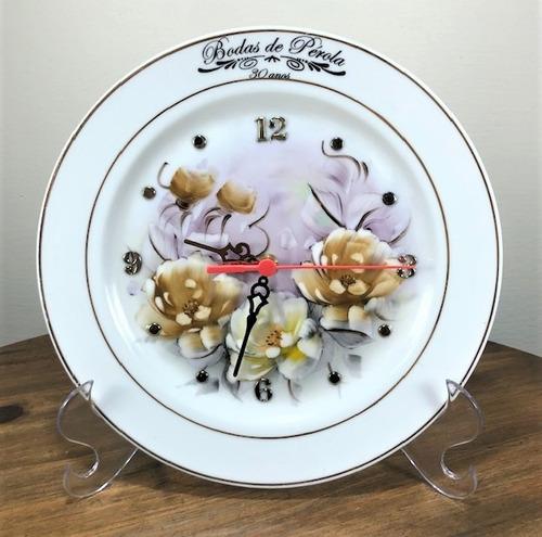 Imagem 1 de 4 de Relógio Bodas De Perola 30 Anos De Casamento 25,5cm