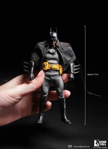 Noir Toyz Batman No Mezco Escala 1/12 Nuevo Hot