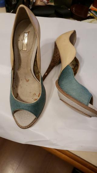 Sapato Fechado Com Salto Alto Azul Piscina Cm Bege Semi Novo