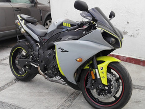 Impecable Yamaha R1 2012