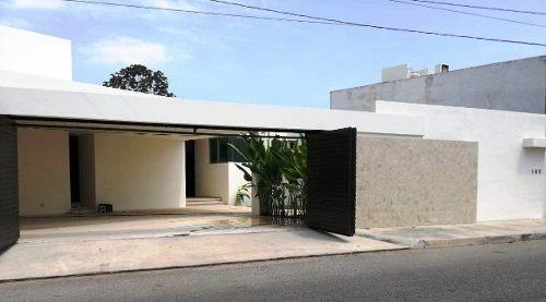 Hermosa Residencia Ubicada Al Norte De Mérida