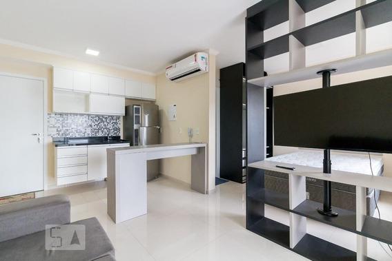 Studio No 27º Andar Mobiliado Com 1 Dormitório E 1 Garagem - Id: 892984715 - 284715