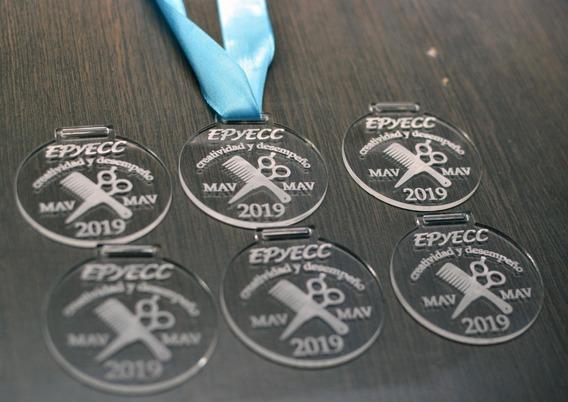 Medallas Acrilico Personalizado Láser