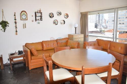 Apartamento En Peninsula, 1 Dormitorios *- Ref: 184