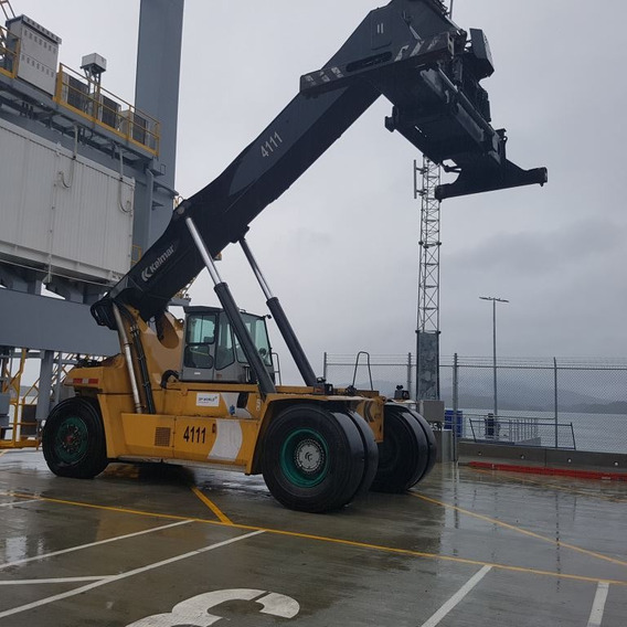 Reach Stacker Contenedores Kalmar 99000 Lbs