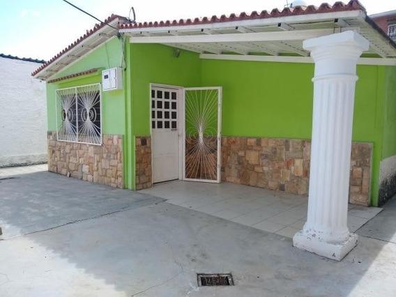20-3369 Casa En Venta Santa Rita Maracay/ Wjo
