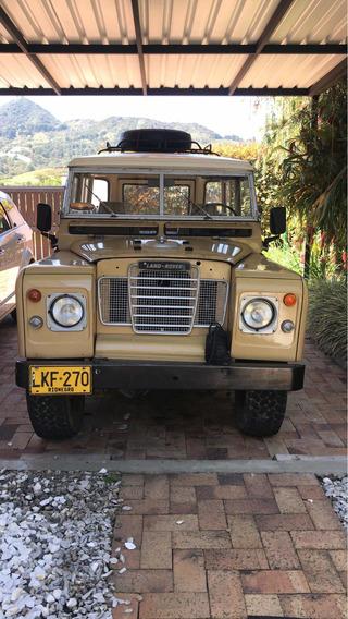 Land Rover Santana Corto
