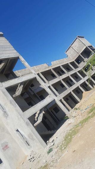 Edificio Recidencial. 10 Aparta Estudio 10 Habitaciones