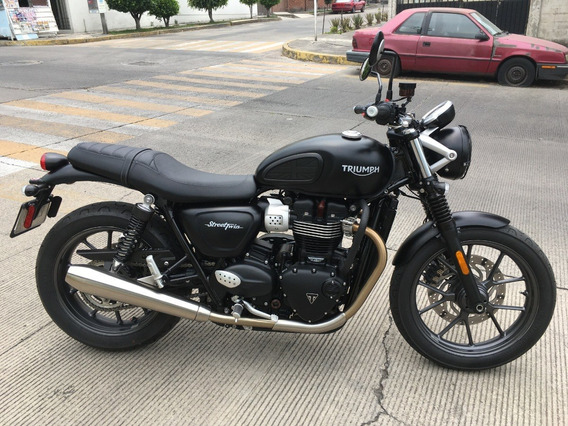 Triumph Street Twin Impecable!!!