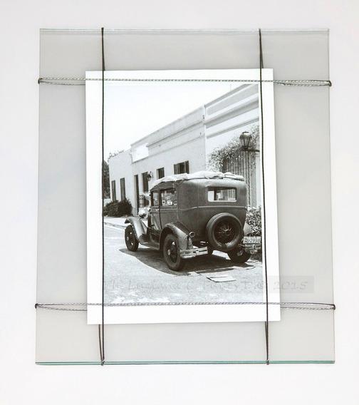 Cuadro Foto Deco . Auto Antigüo Colonia. Arte Emergente