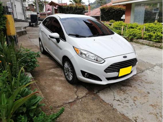 Ford Fiesta Titanium Full