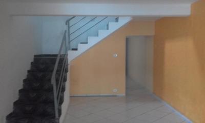 Casa Para Venda Em Poá, Vila Acoreana, 3 Dormitórios, 2 Suítes, 4 Banheiros, 2 Vagas - 688048