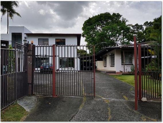 Bella Casa En Venta En Diablo Panama Cv