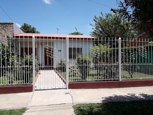 Casa En Bº Rivadavia