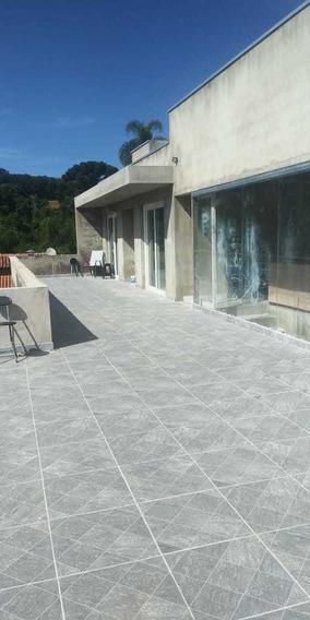 Condomínio Ibiúna 1.000 Mts Casa Piscina Valor Negociável!