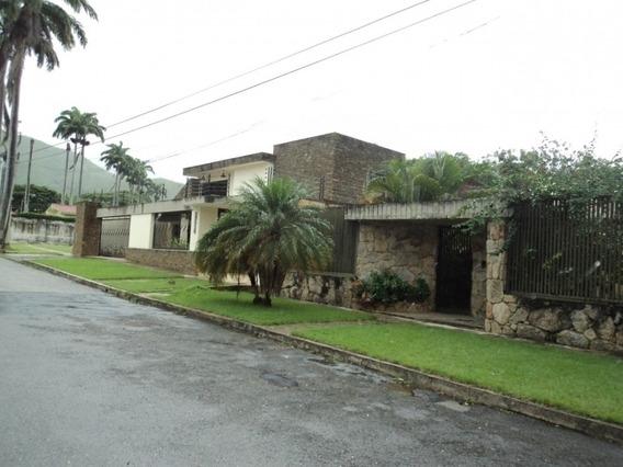 Casa En Urbanizacion Guaparo. Wc