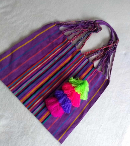 Cartera Artesanal Bordada Mexicana