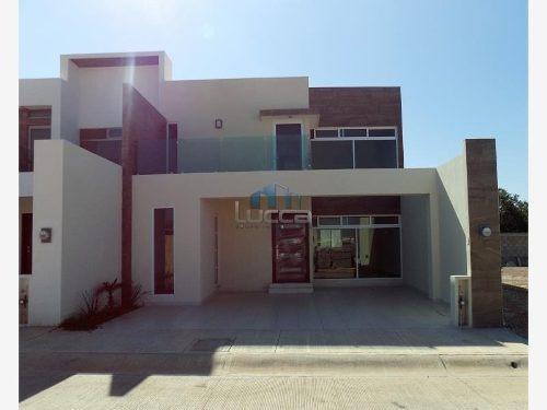 Casa En Venta En Altabrisa Residencial