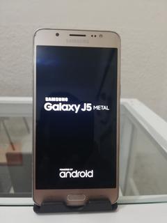 Celular Samsung J5 Metal Dorado + Cargador