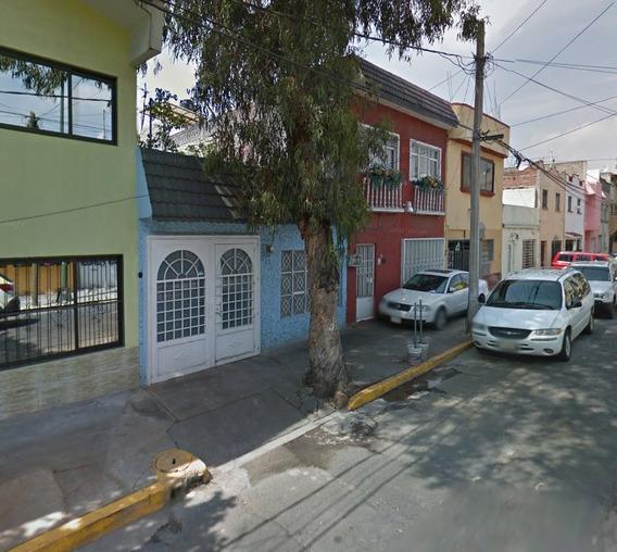 Bonita Casa Calle Perfeccionada Col Industrialgam Adjudicada