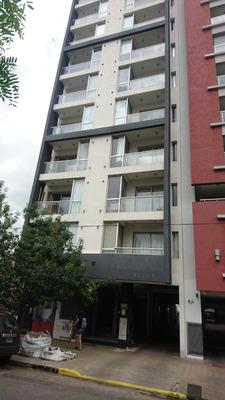 Alquiler Semipiso 3 Dormitorios + Cochera. 60 E 8 Y 9.