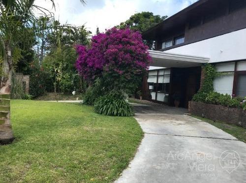 Casa Con Piscina Muy Cerca Al Mar En Punta Del Este 2 - Playa Mansa