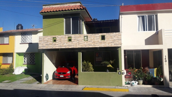 Bonita Casa De 3 Recámaras Y Estudio