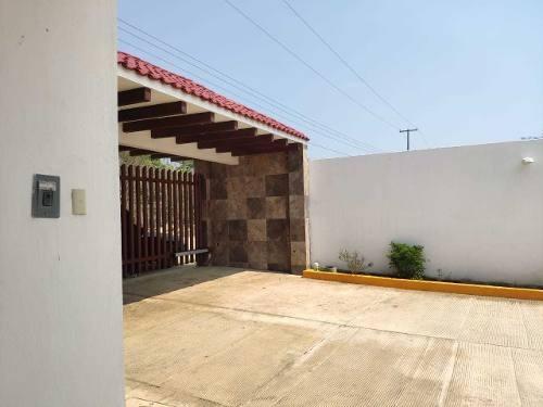 Preciosas Casas En Venta En Privada Babilonia, A 10 Minutos De Tuxtla Gutiérrez