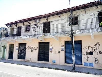 Loja Na Rua Pinto Madeira - Salão E Banheiro Social