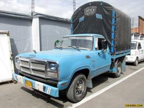 Dodge 100 Camión Estacas