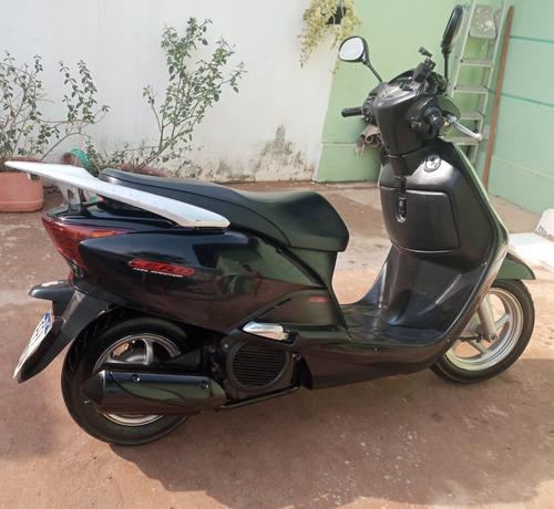 Imagem 1 de 2 de Moto Honda Lead