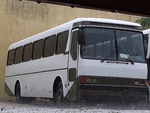 Imagem 1 de 10 de Ônibus