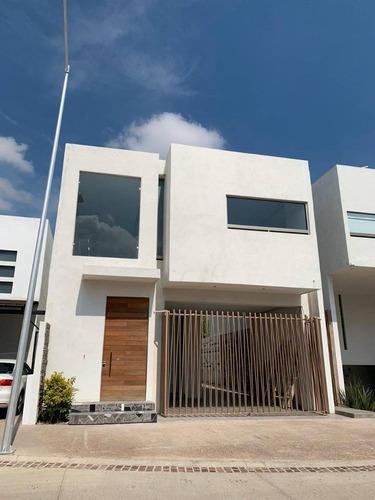 Casa En Venta, Condominio Los Fresnos, Int 199, Aguascalientes Rcv 352730