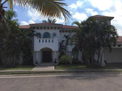Casa Sola En Venta Fracc Residencial Las Hadas