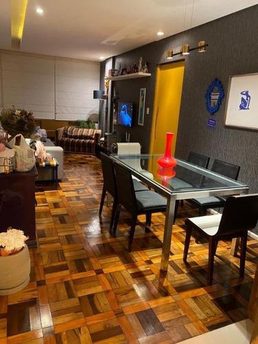Imagem 1 de 18 de Apartamento No Centro De Florianópolis, Totalemnte Mobiliado E 1 Vaga Livre E Coberta - Ap5558