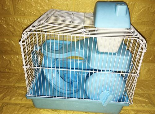 Imagen 1 de 3 de Casita Para Hámster Con Juegos Para La Pequeña Mascota
