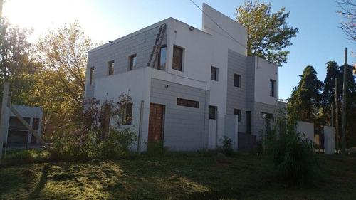 Imagen 1 de 30 de Duplex 2 Dormitorios, 2 Baños Y Cochera -parrilla -estrenar - Villa Elisa