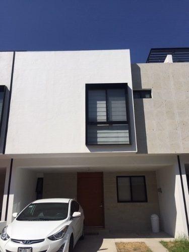 Linda Casa En Renta Semi-amueblada En Coto Priv. Áurea