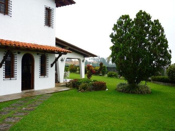 Casa En Venta,la Lagunita Country Club,caracas,mls #20-14474